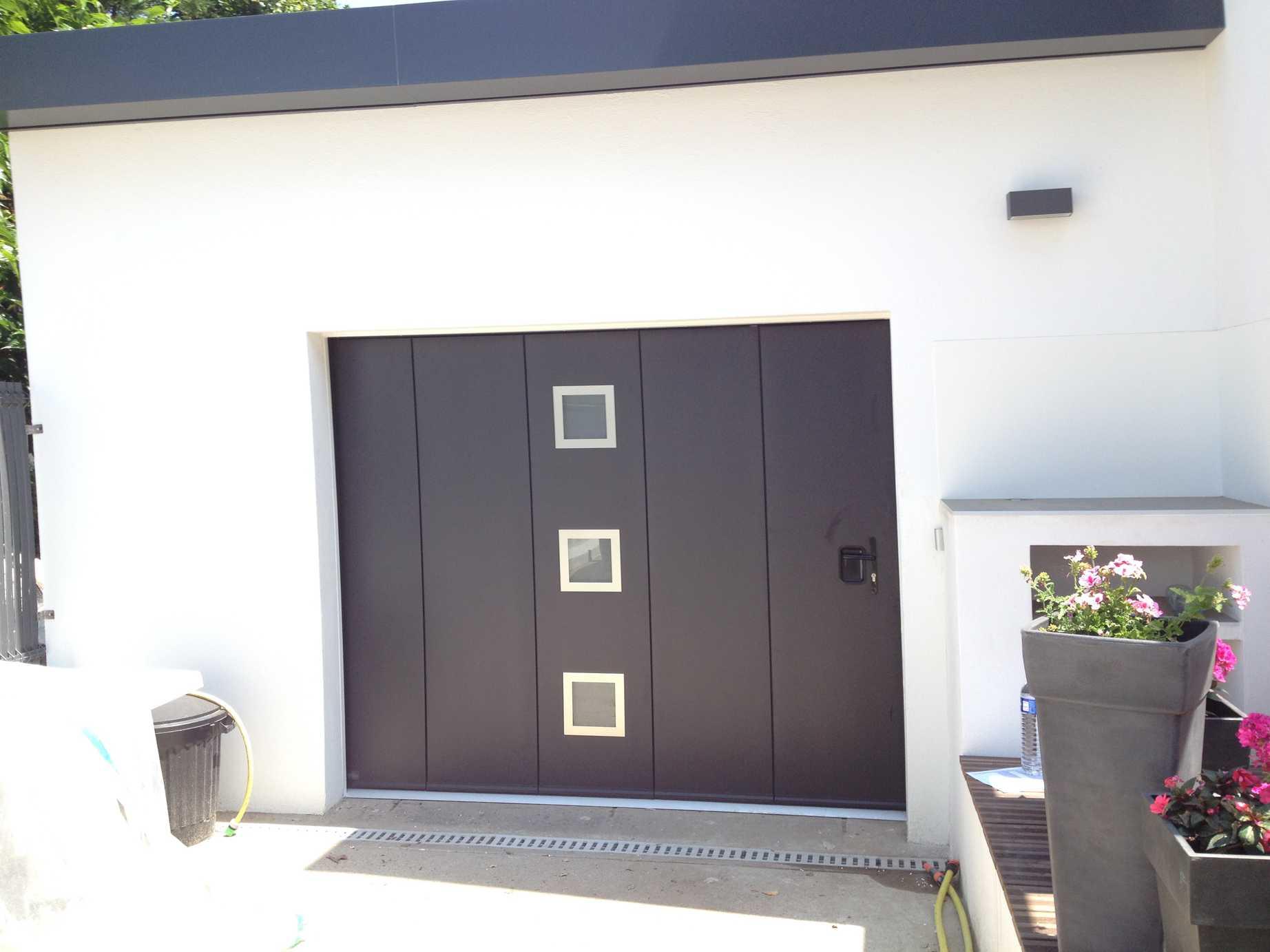 portes de garage chalmeton entreprise de menuiserie ferronnerie et serrurerie en loz re 48. Black Bedroom Furniture Sets. Home Design Ideas