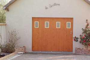 Portes de garage en pvc bois aluminium ou acier france fermetures - Porte de garage 3 vantaux aluminium ...